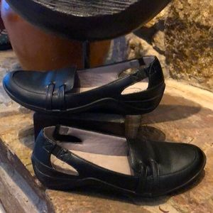 Life Stride Simply Comfort faux leather shoes